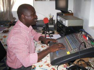 Année 2004-Radio associative